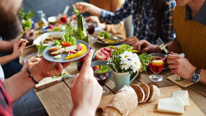 Dieta bez soli, witarianizm i superfood. <br />To trendy żywieniowe 2017 roku