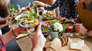 Dieta bez soli, witarianizm i superfood. To trendy żywieniowe 2017 roku