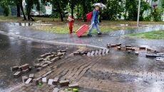 Zalania po gwałtownej burzy (PAP/Andrzej Grygiel)