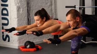 10 minut treningu na stabilizację. Ćwiczenia Kasi Kępki