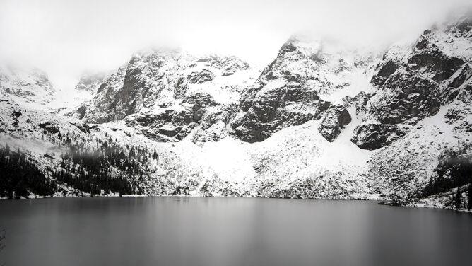 Niebezpiecznie w górach. W Tatrach drugi stopień zagrożenia lawinowego