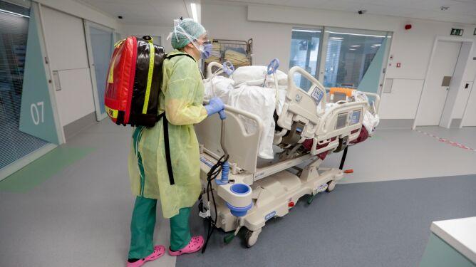 """USA mogą zezwolić na stosowanie leku na ebolę. """"Otwiera drzwi do leczenia koronawirusa"""""""